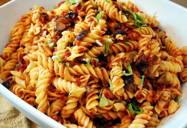 resepi-pasta-spiral-goreng-lada-hitam