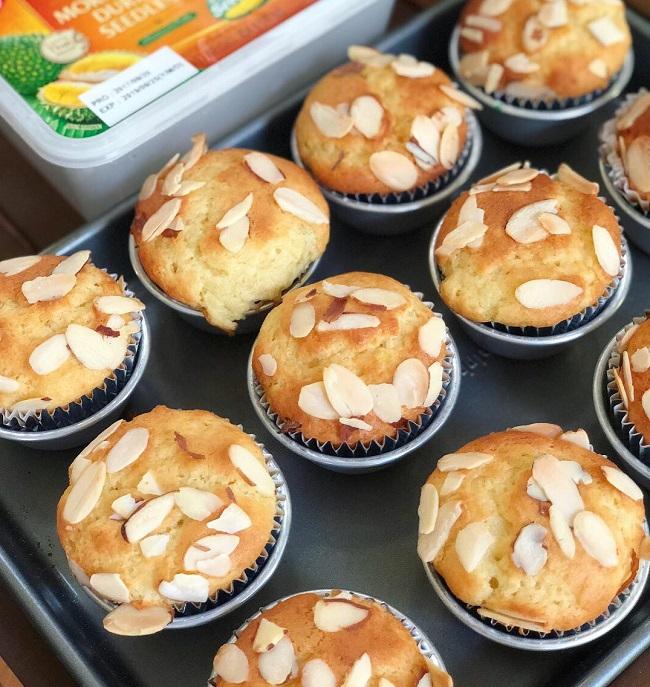 moist-durian-muffins