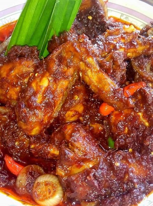 Resepi Nasi Kuning Dengan Ayam Masak Merah