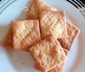 resepi-cream-crackers-homemade